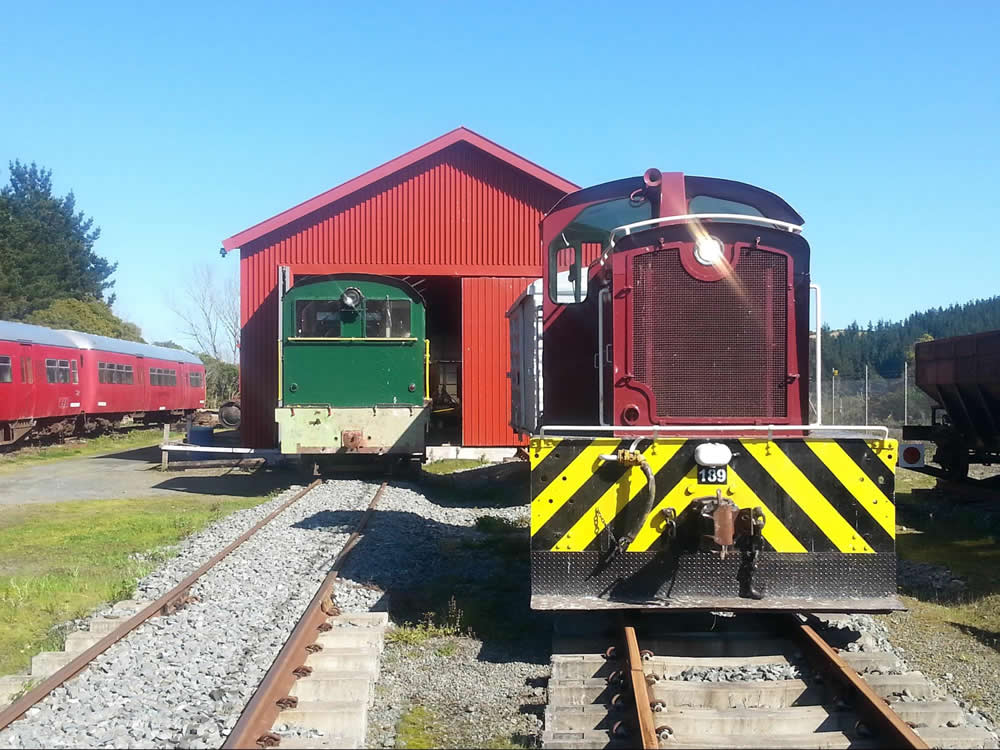 Tr189 and ORB #1 outside rail vehicle shed at Maymorn