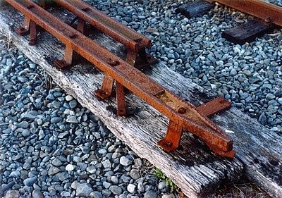 Fell centre rail, including torpedo end