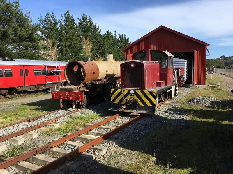 Ab745 and Tr189 outside the shed, part way through the shunt movement