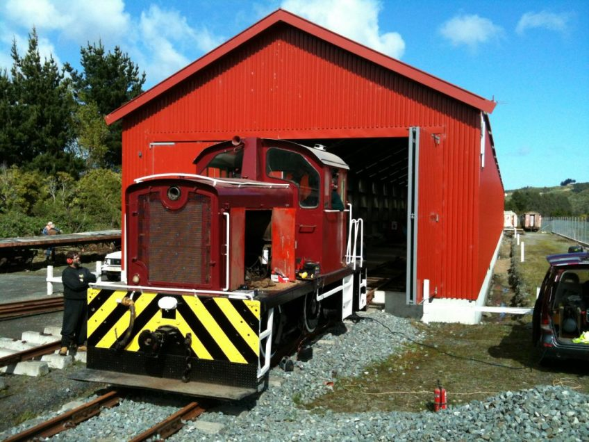 Tr 189 outside shed at Maymorn, 6 October 2012