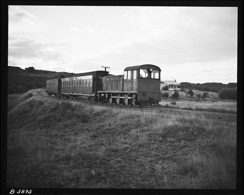 ORB No.1 hauling a passenger train on the Ohai Railway Board Line near Nightcaps