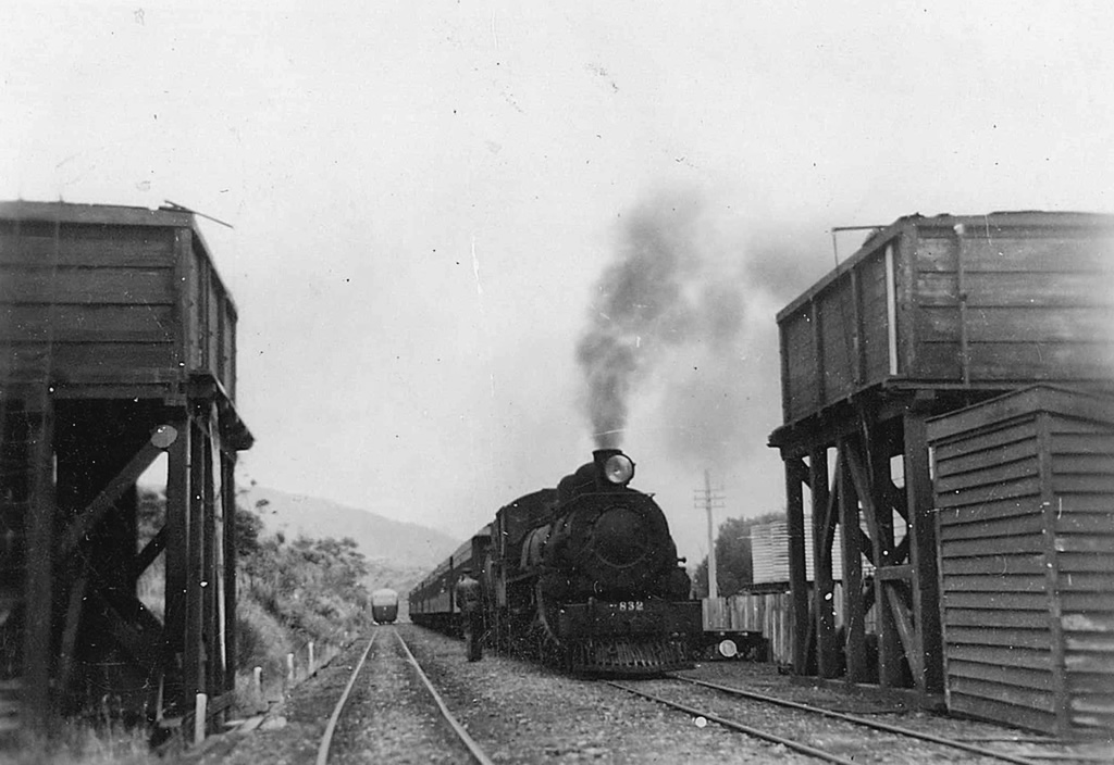 What could be: sister Ab locomotive on a passenger train at Kaitoke in 1953. Photo: Nelson Stockbridge.