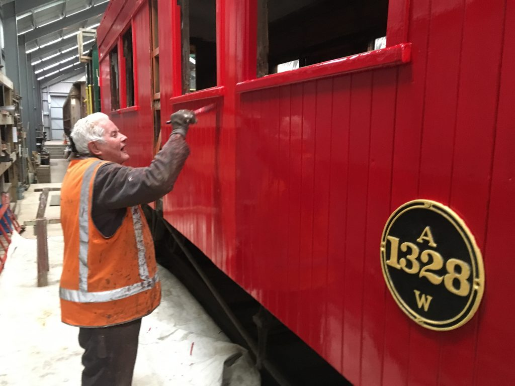 Ron Jones painting carriage A1328