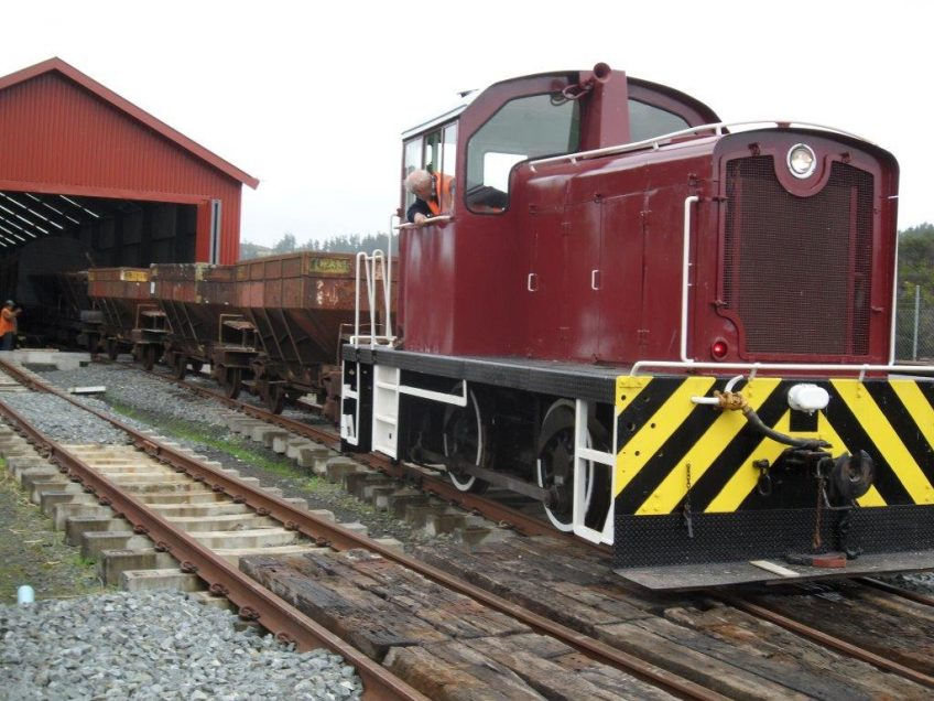 Tr189 shunts road 1 of rail vehicle shed