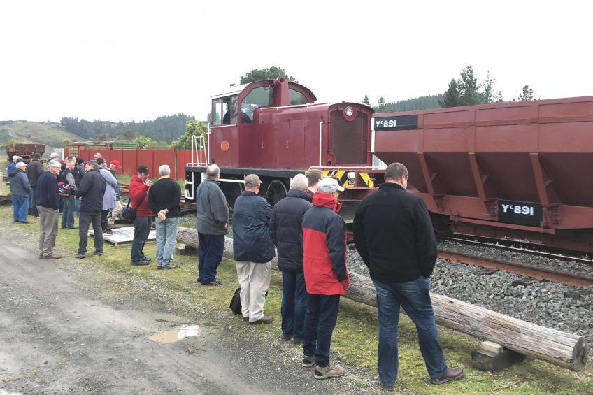 Tr189 and ballast train passing delegates