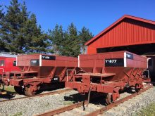 Ballast wagons Yc 877 and Yc 891